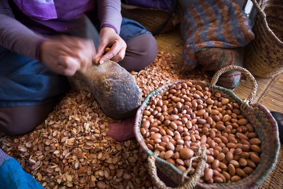 argan-oil-extraction.jpg